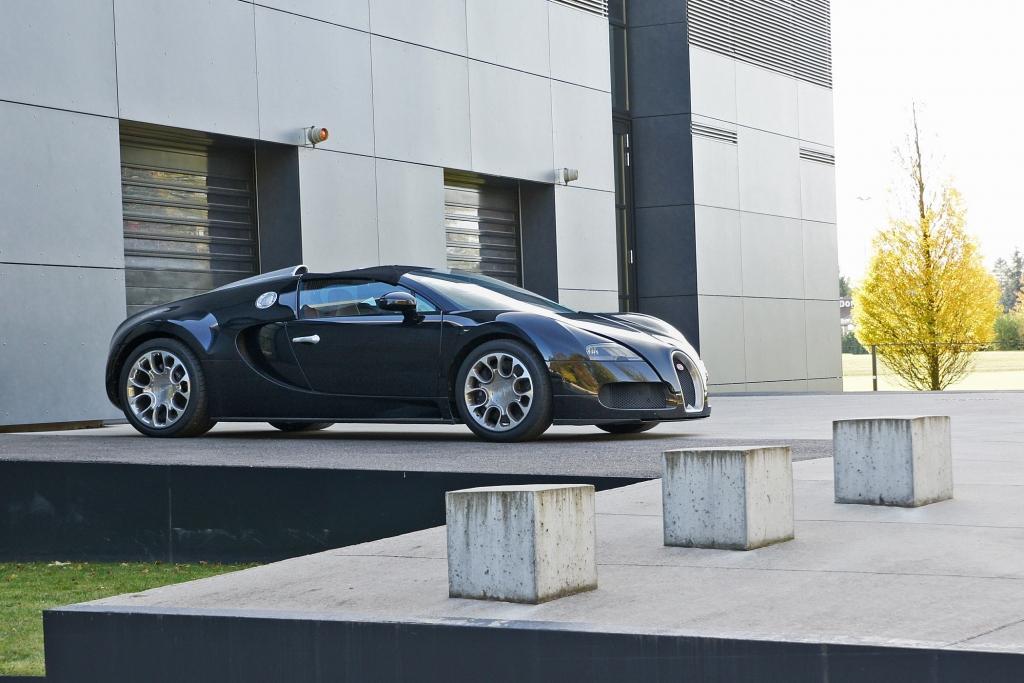 Der Bugatti 16.4 Veyron Grand Sport in seiner elsässischen Heimat.