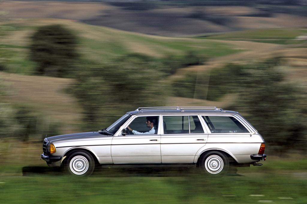Der W 123 gilt als das Kultmobil aus Stuttgart schlechthin. Der bürgerliche Auftritt und die hohe Zuverlässigkeit verkörpern Mercedes-Werte in Reinkultur