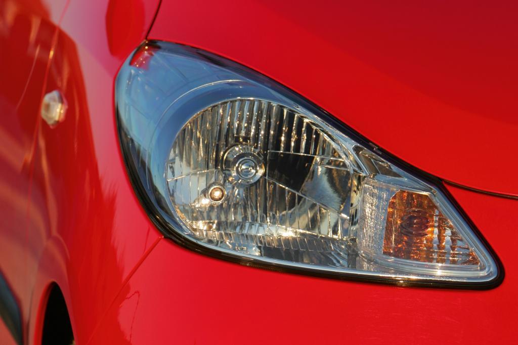 Einfache Lösung: Halogenscheinwerfer in Reflektor-Optik beim Hyundai i10