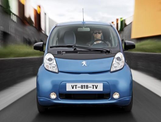 Elektroautos: Wartezeiten für Privatkunden vorprogrammiert