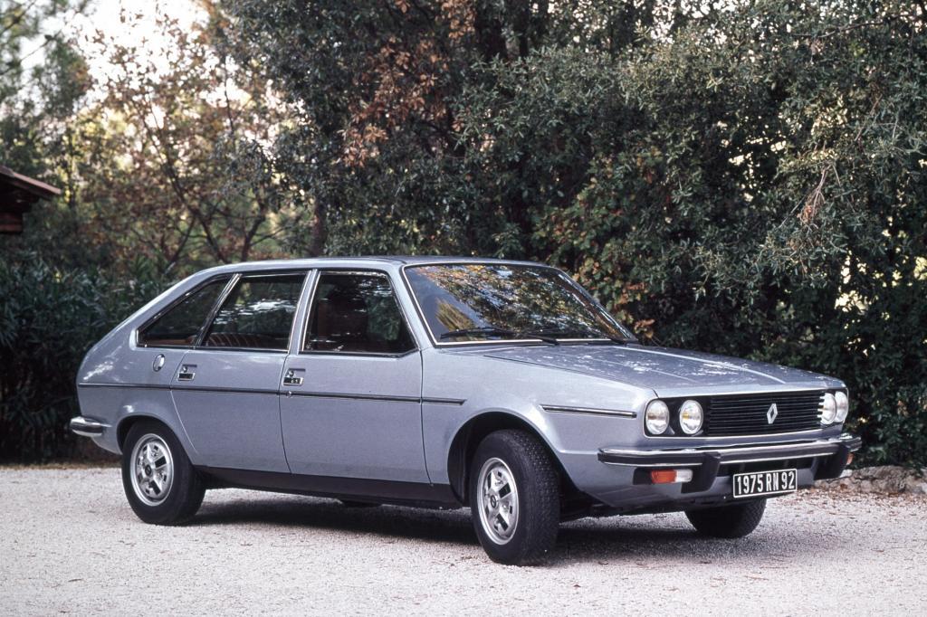 Erkennungszeichen des Renault 30 waren die runden Doppelscheinwerfer