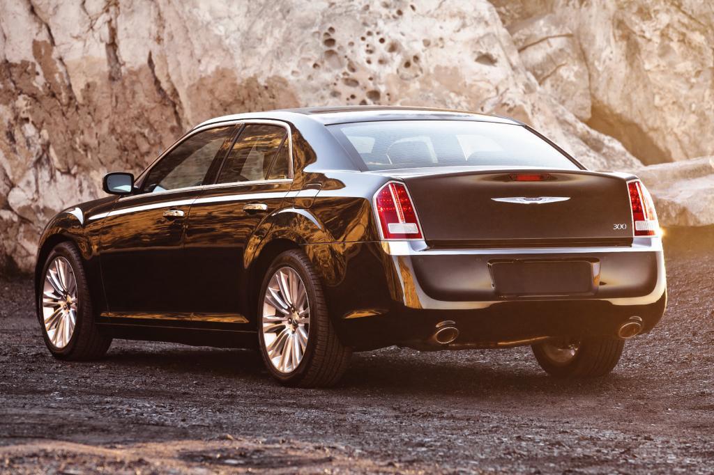 Höchst amerikanisch wirkt die Heckansicht des Chrysler 300