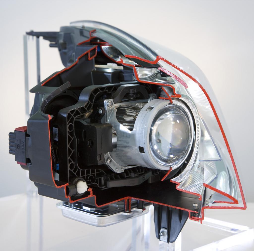 Innenleben des adaptiven Scheinwerfers des Opel Insignia
