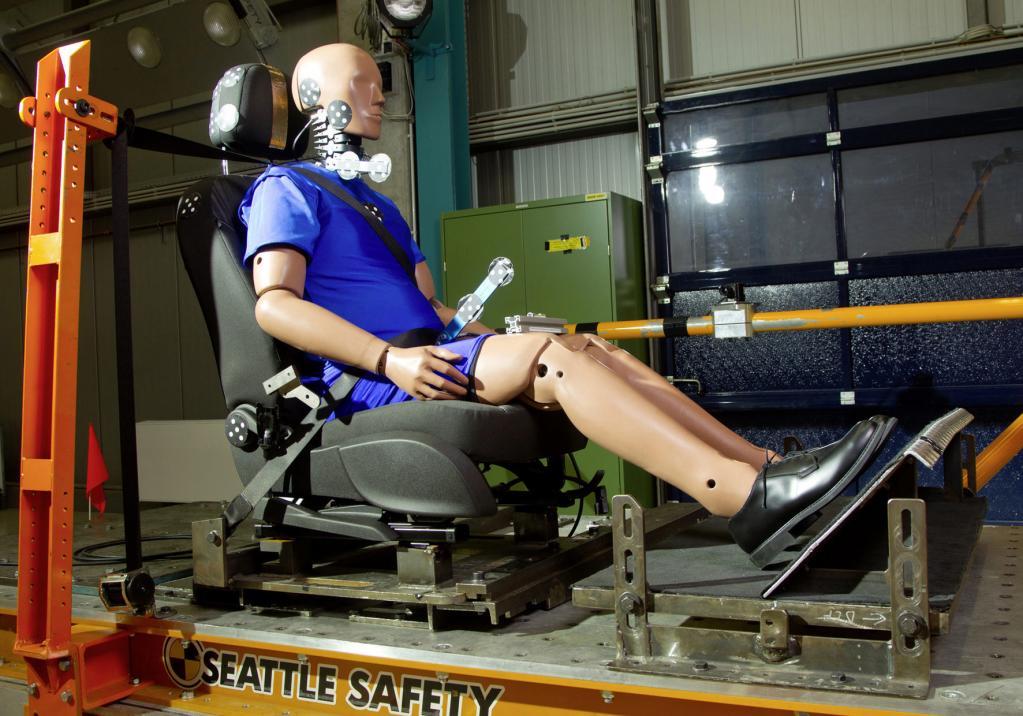 Intelligente Kopfstützensysteme gegen schwere Verletzungen