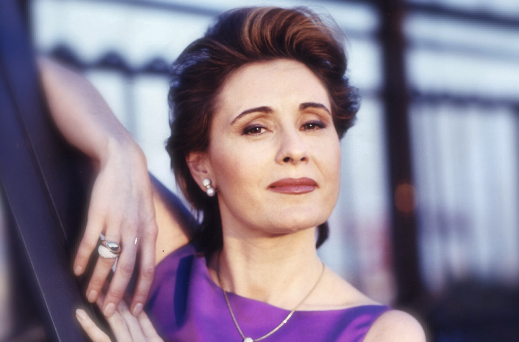 María Bayo ist die Solistin des diesjährigen Weihnachtskonzerts im Audi Forum Neckarsulm.
