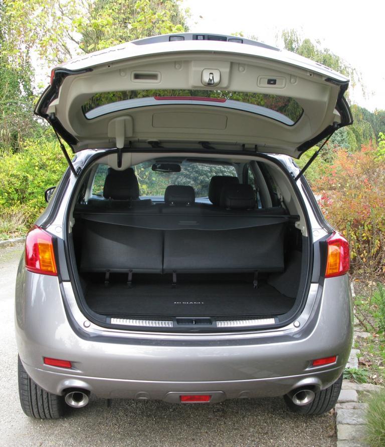 Nissan Murano Diesel: Ins Gepäckabteil passen über 400 bis über 830 Liter hinein.
