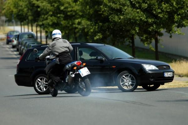 Recht: Beschädigte Motorradkleidung - Abzug