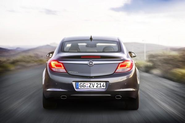 Sicher durch die kalte Jahreszeit! Mit auto.de und Opel gut gerüstet für Herbst und Winter. Tipp 9: So sparen Sie Sprit!