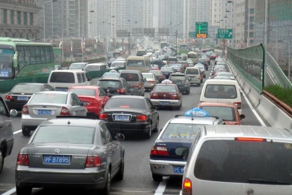 Sorgen um China-Geschäft: Autoaktien im Rückwärtsgang