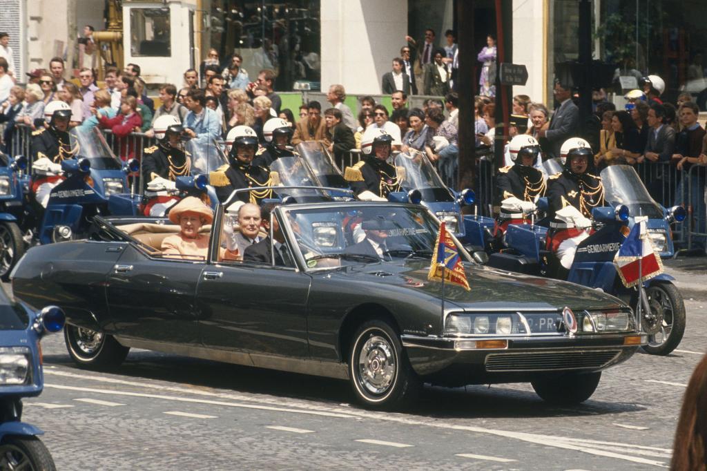 Staatspräsident Mitterrand und die britische Königin Elisabeth II. im SM Présidentielle