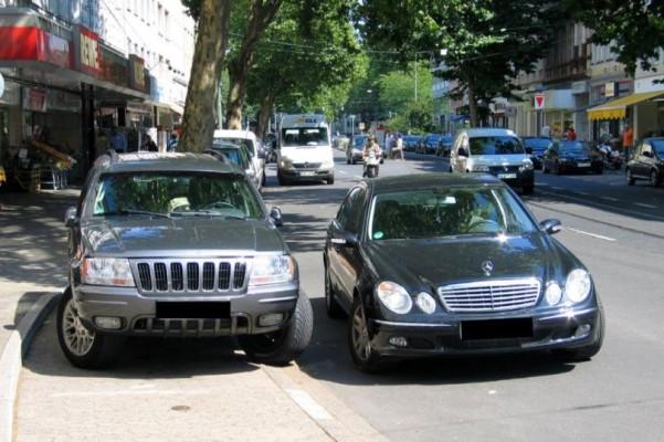 Urteil: Bewusstes Falschparken auf Autobahnzufahrt ist Nötigung
