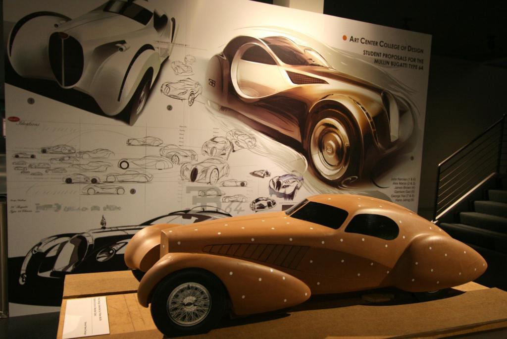 Entwürfe von Studenten des Art Center College of Los Angeles für einen neuen Bugatti auf einem alten Fahrgestell