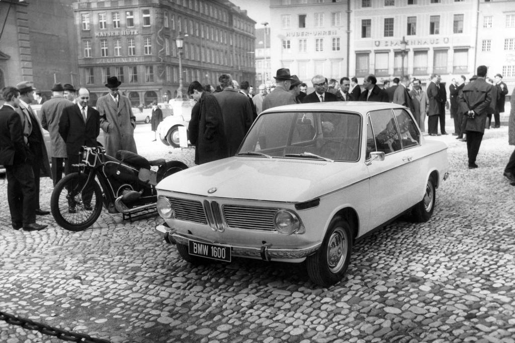 1966 debütiert der BMW 1600-2 in München