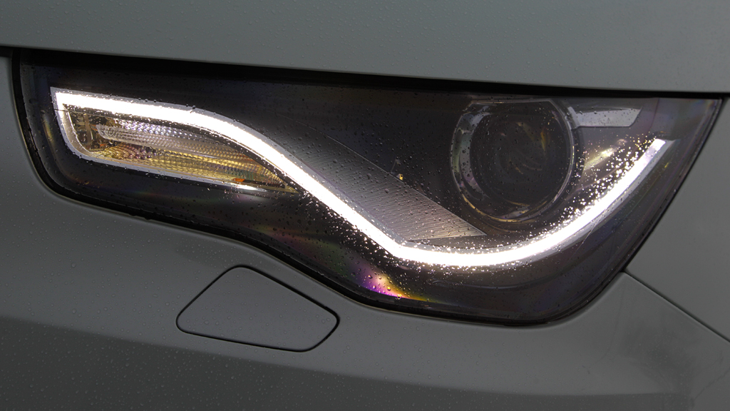 Audi A1 e-tron: Moderne Leuchteinheit vorn.