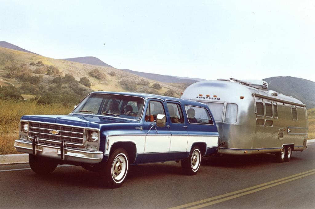 Chevrolet Suburban, 1976