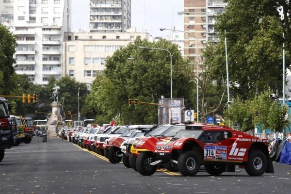 Dakar 2011: Mehr als eine Million Zuschauer verfolgen den Auftakt