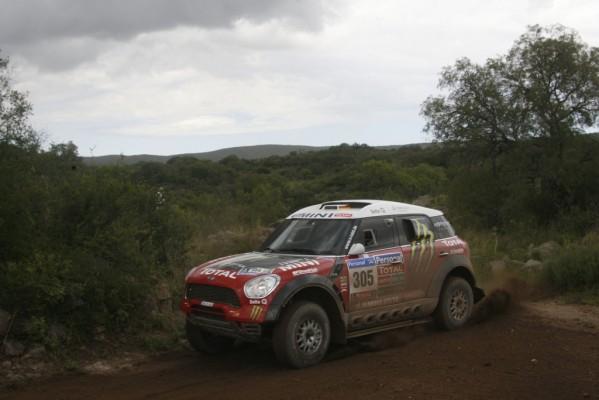 Dakar 2011. Sainz vergrößert Vorsprung bei zweiter Etappe