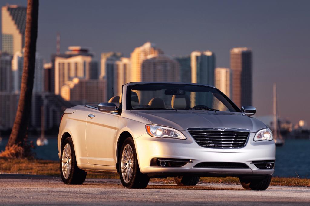 Das Chrysler 200 Convertible tritt in die Fußstapfen des abgelösten Sebring