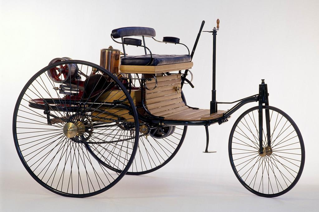 Das Dreirad hat mit modernen Autos noch einiges gemein