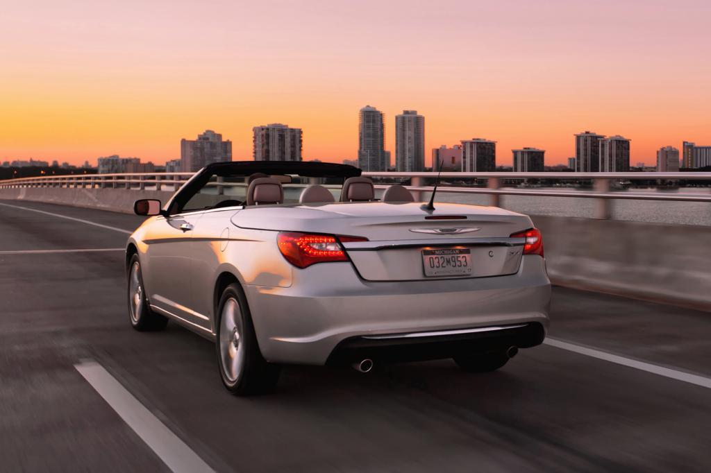 Das neue Modell hat mit dem Pentastar-V6 viel mehr Leistung
