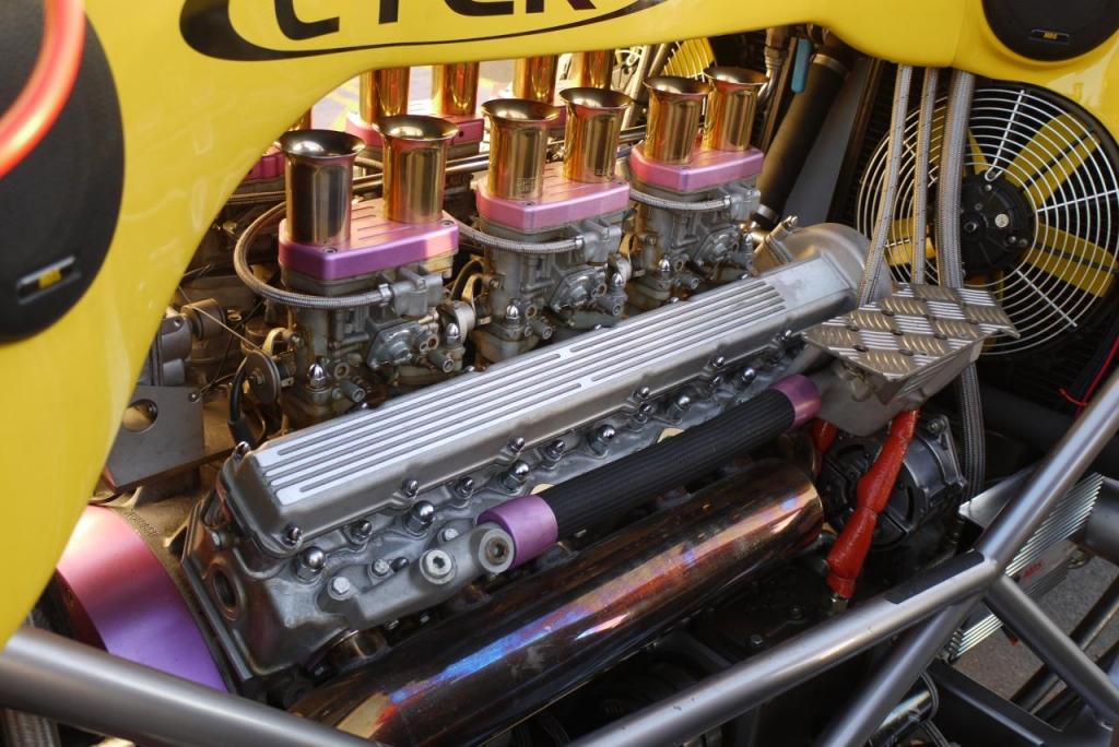 Der 5,3 Liter V12-Motor des Big Toe