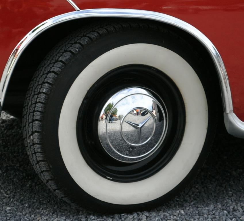 Der Fondpassagier liest den Straßenatlas - Auto-Begriffe, die 2011 keiner mehr kennt. Teil 3.