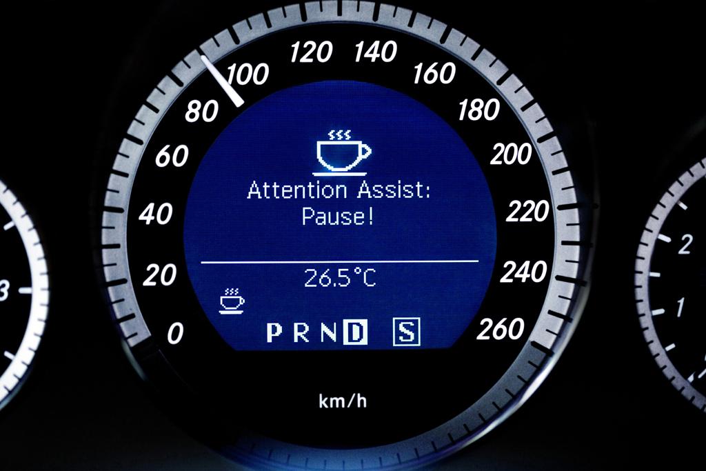Der Müdigkeitswarner Attention Assist ist ein Beispiel für moderne Fahrerassistenten.
