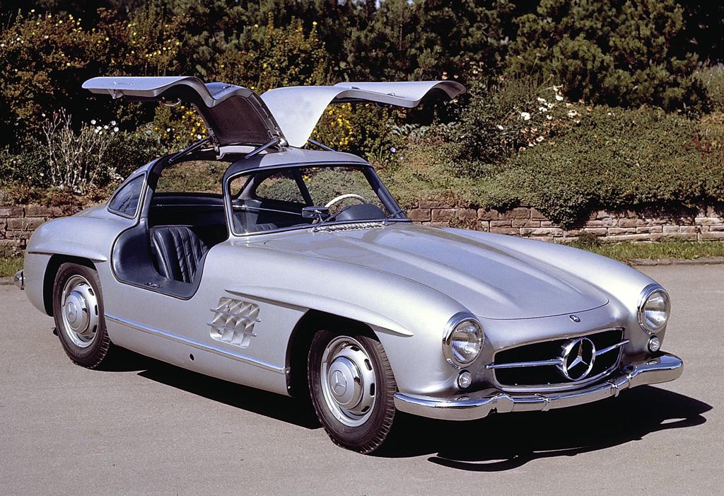 Der Mercedes-Benz-Flügeltürer 300 SL ist legendär.