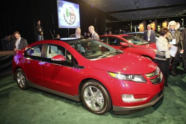Detroit 2011: Chevrolet Volt und Ford Explorer sind