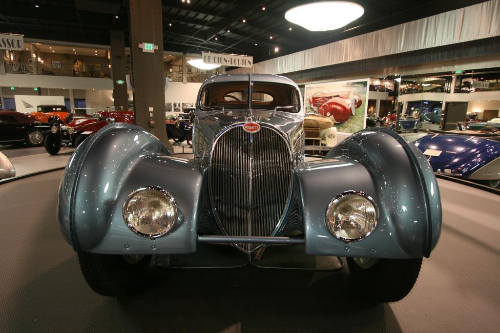 Dieses Bugatti 57SC Atlantic Coupé von 1936 hat im Mai 2010 für einen Schätzpreis zwischen 30 und 40 Millionen Dollar den Besitz