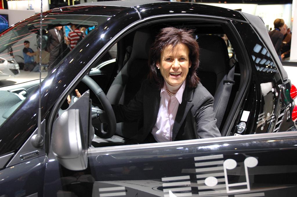Dr. Annette Winkler leitet die Marke Smart.