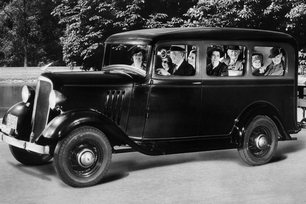 Eine erfolgreiche Baureihe sollte der 1935 eingeführte Suburban begründen.