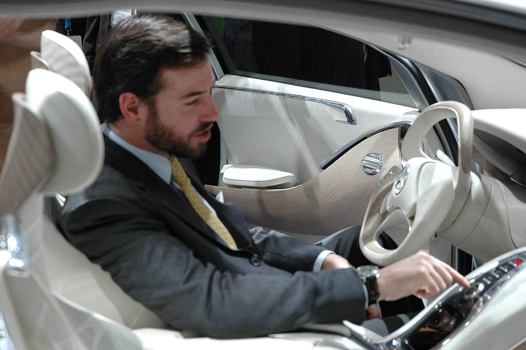 Erbgroßherzog Guillaume von Luxemburg im F800 Style.
