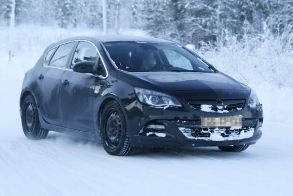 Erwischt: Erlkönig Opel Astra GSi im Norden unterwegs