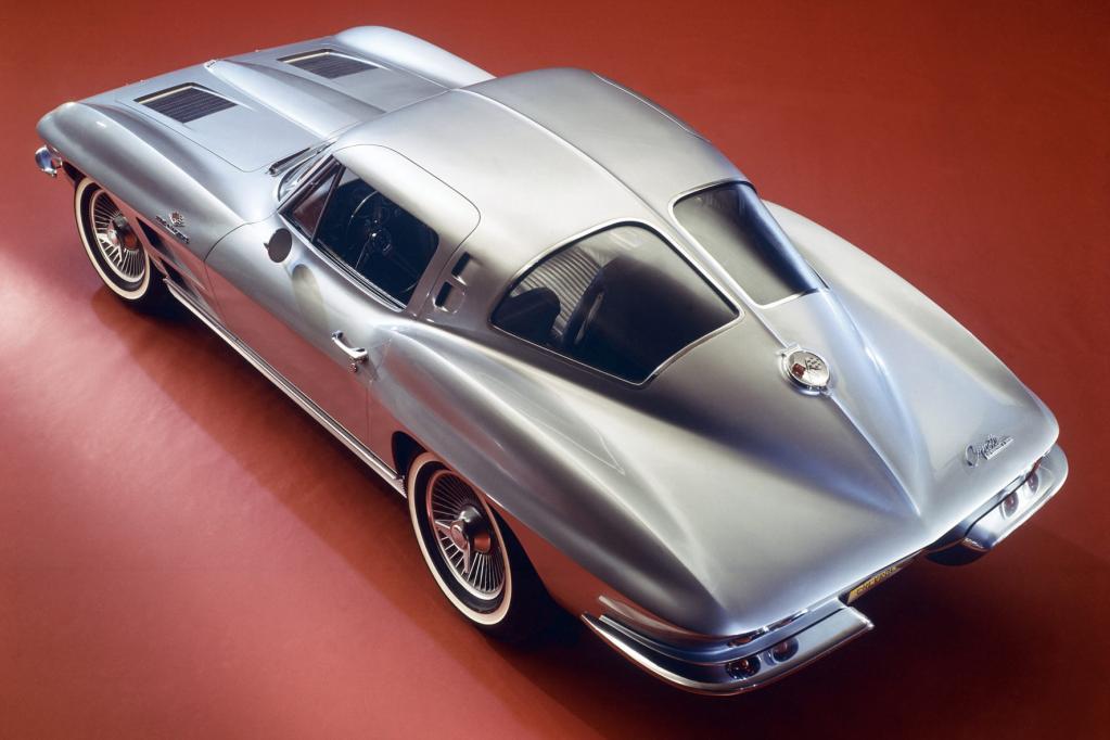 Für viele Autofans eines der schönsten Fahrzeuge aller Zeiten: die Corvette Stingray von 1963.