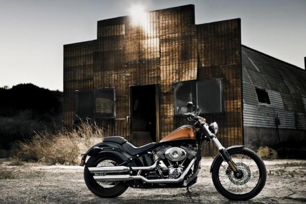 Harley-Davidson Blackline - Nackt und ehrlich