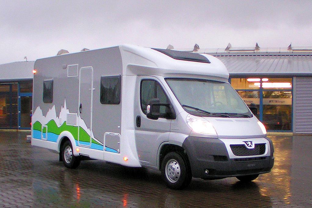 Im Bereich der Reisemobile feiert Peugeots Boxer Liberté VIP 690 einer echte Welpremiere in Stuttgart.