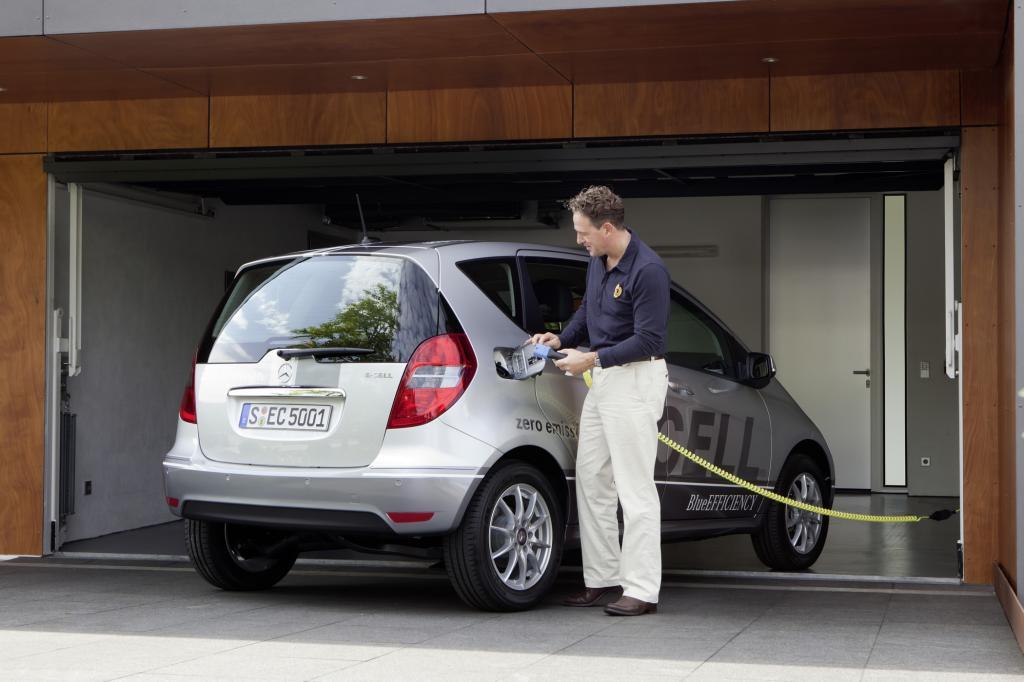 Künftig setze man bei Mercedes bei alternativen Antrieben auf E-Motoren mit Range Extende