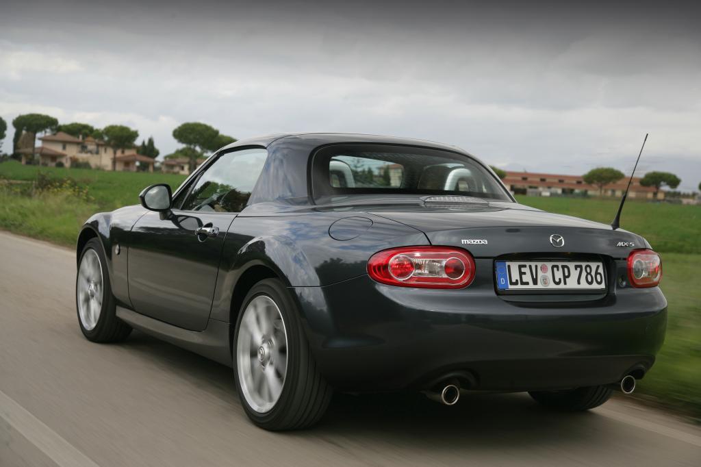 Mazda MX-5..