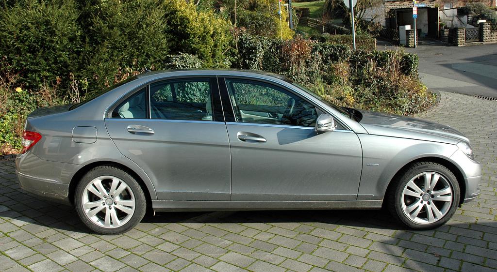 Mercedes C-Klasse: Seitenansicht der kompakten Premiumlimousine.