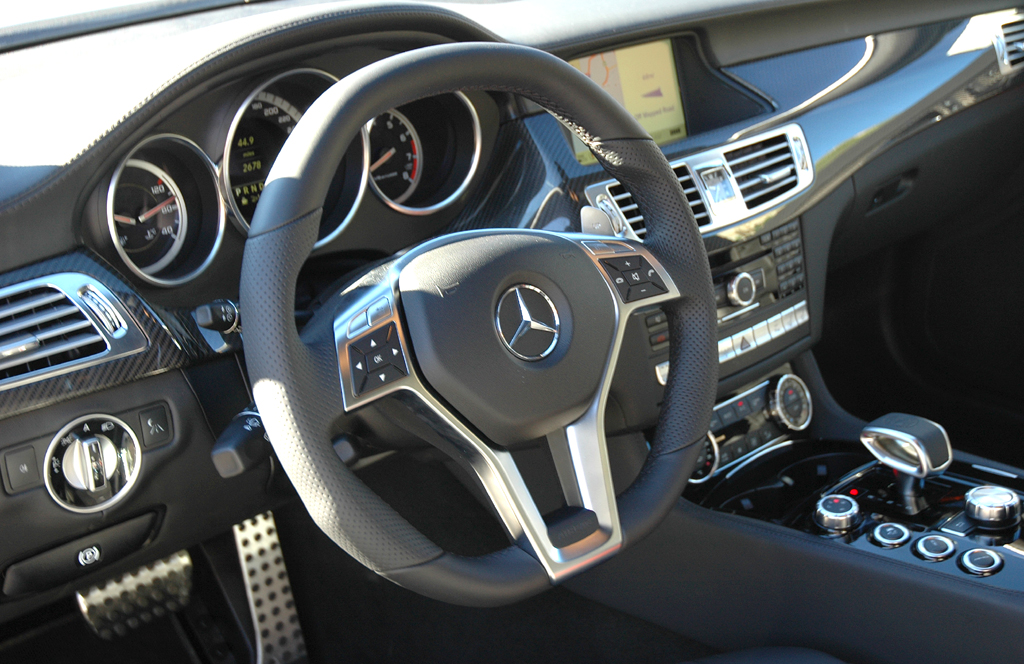 Mercedes CLS 63 AMG: Blick ins sportlich-noble Cockpit.