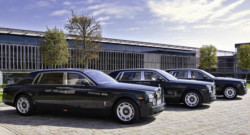 Mit eijner Parade durch London will Rolls-Royce sein Maskottchen würdigen