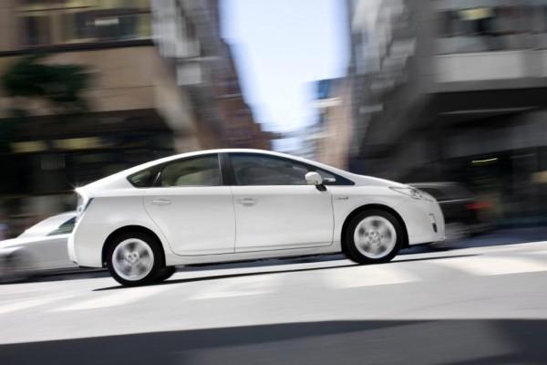 Nachlassender Absatz bei Toyota, steigende Verkäufe bei Lexus