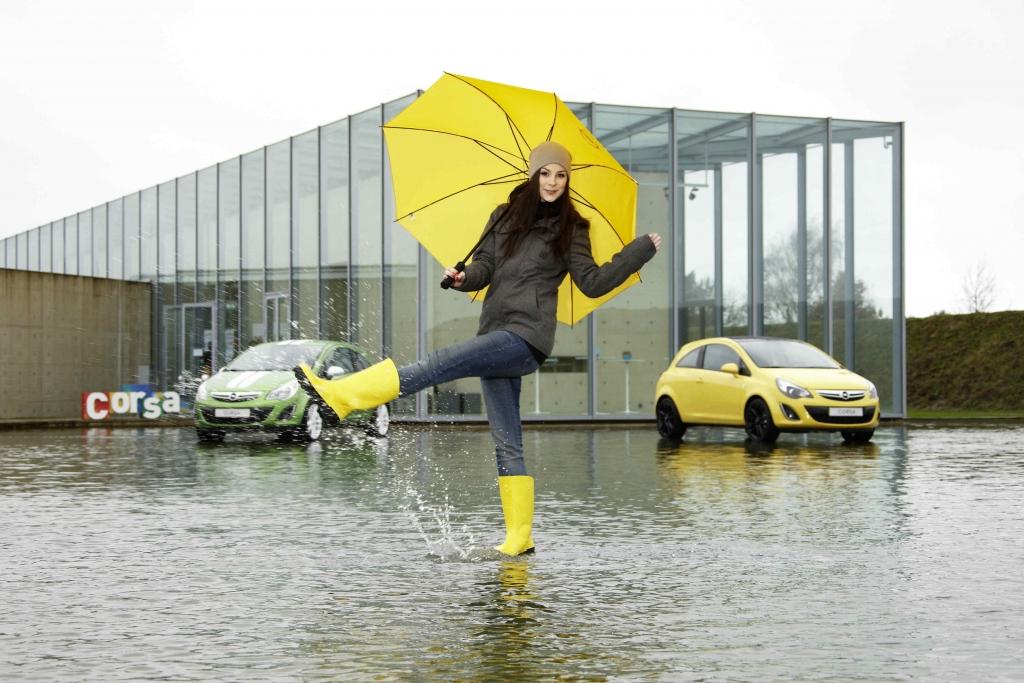 Opel bekennt Farbe mit Corsa Color Line Modellen und Lena-Mobil Satellite