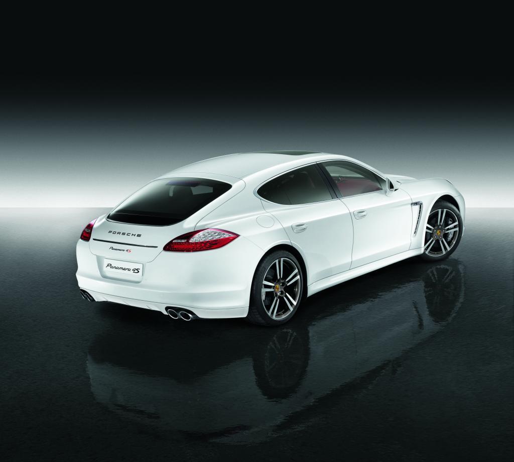 Porsche Panamera 4S Exclusive Middle East Edition.