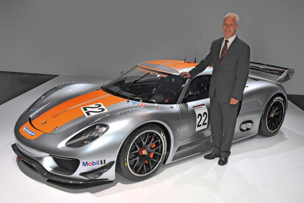 Porsche präsentiert in Katar den 918 RSR