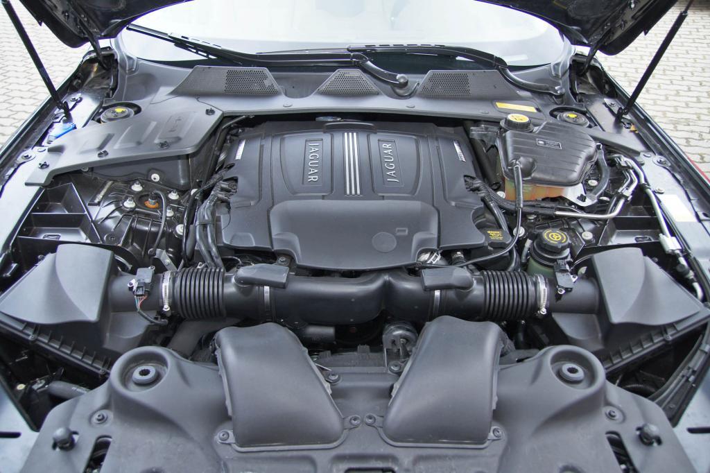Prachtwerk: 5,0-Liter-V8 mit 375 kW/510 PS