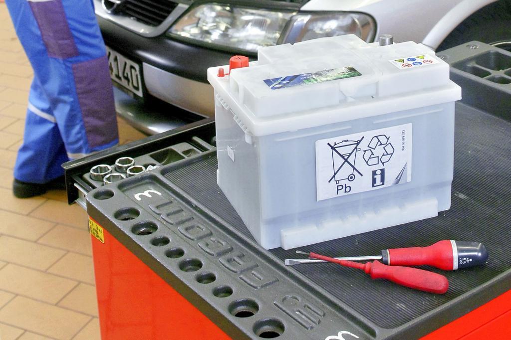 Ratgeber Winterpflege - So schont man die Autobatterie