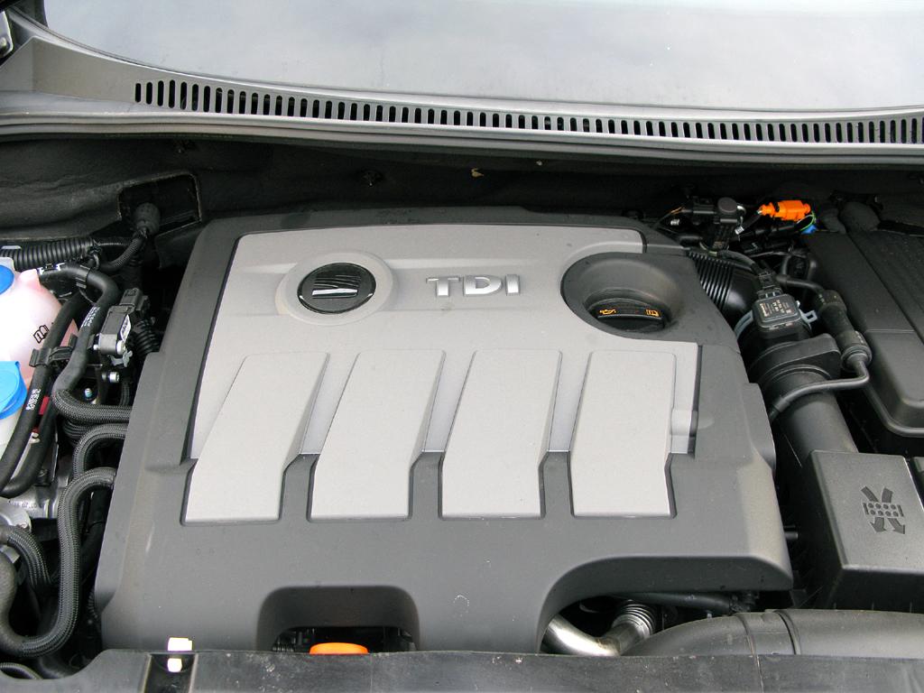 Seat Altea XL: Blick unter die Motorhaube des 1,6-Liter-Selbstzünders.