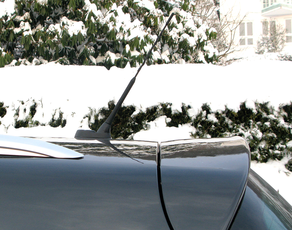 Seat Altea XL: Die Stabantenne sitzt kurz vor dem Dachkantenspoiler hinten.